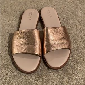 Cole haan gold leather slippers 9.5